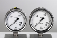 Plagiarius Prize winner 2009 - Original WIKA pressure gauge (left) and fake (right)